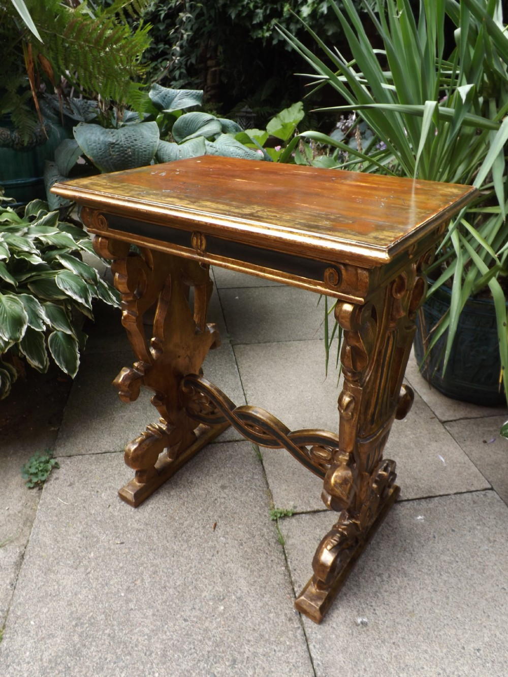 c18th style venetian giltwood centre table