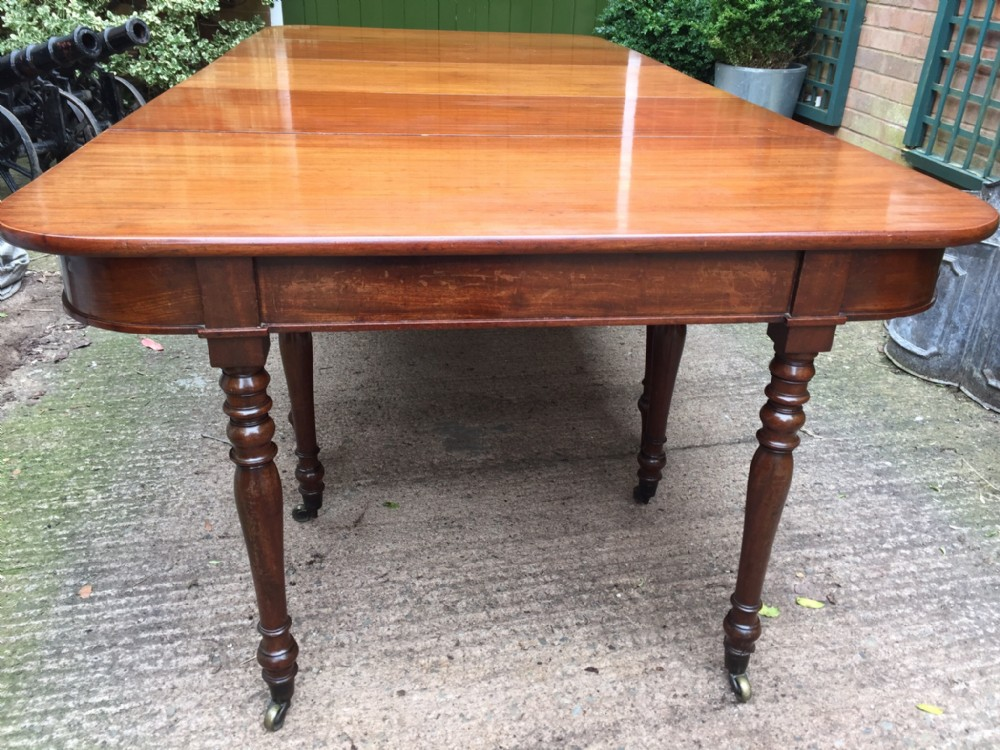 early c19th regency mahogany dining table in the manner of gillows of lancaster